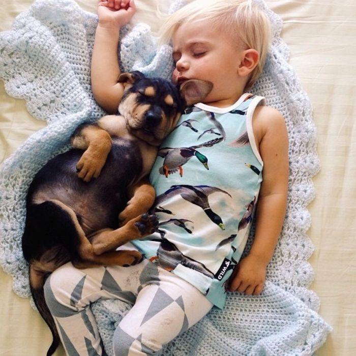 Ребенок и собака: Бо и Тео