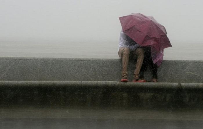 Фотографии зонтов.