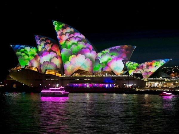 Фестиваль Vivid Sydney.