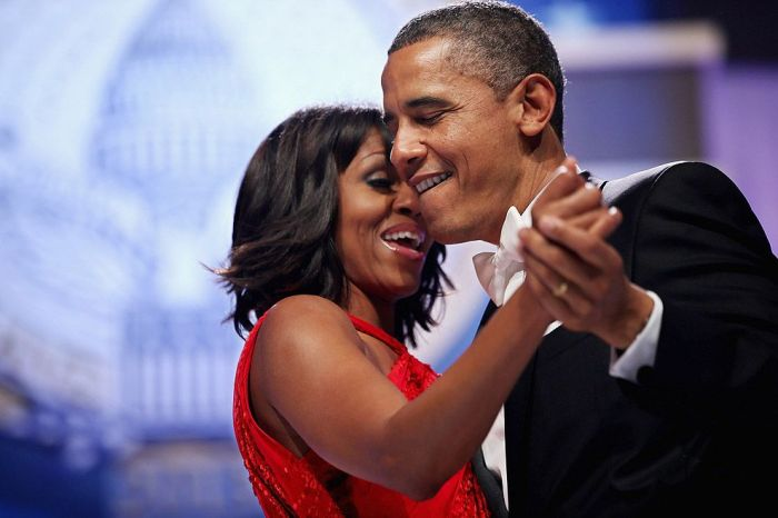 Чета Обама танцует на инаугурации