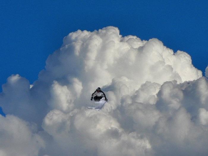 Игра с облаками от фотографа Elio Pallard