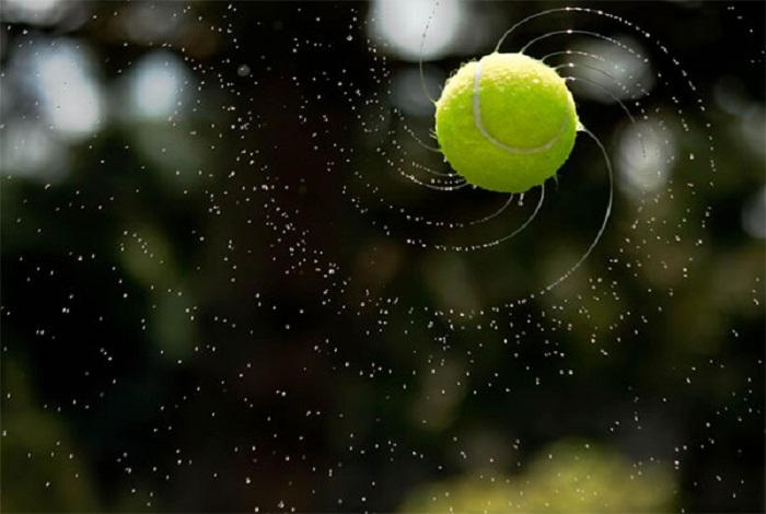 Мяч в воздухе