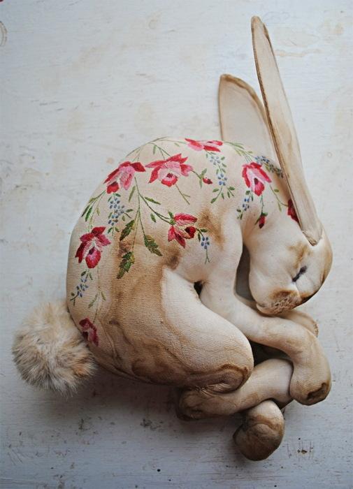 Заяц из ткани