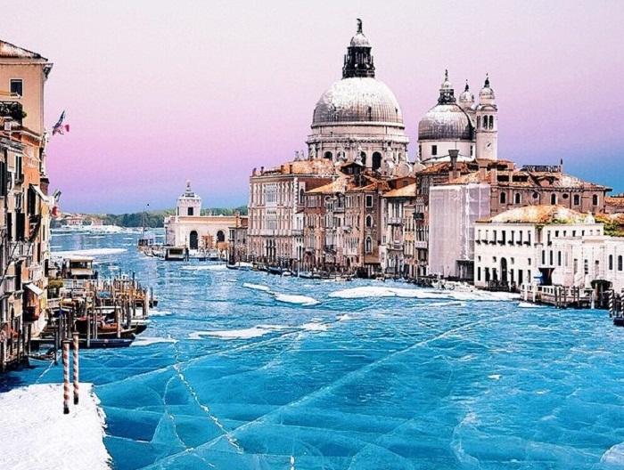 Заледеневшая Венеция.