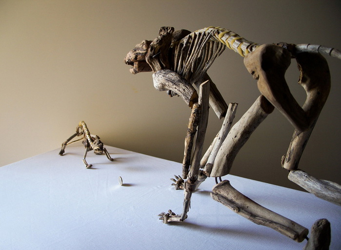 Деревянные скелеты Fragile Skeletons