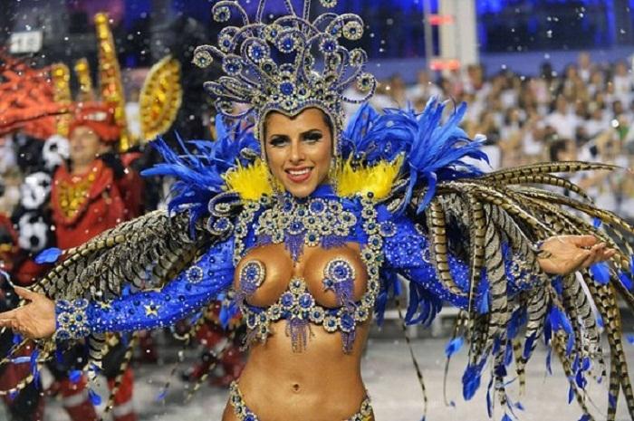 карнавал бразилия топлесс