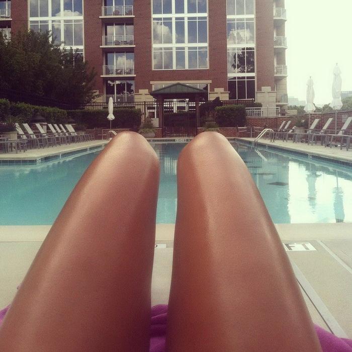 Новое модное течение среди фотографов: Hot-Dog Legs