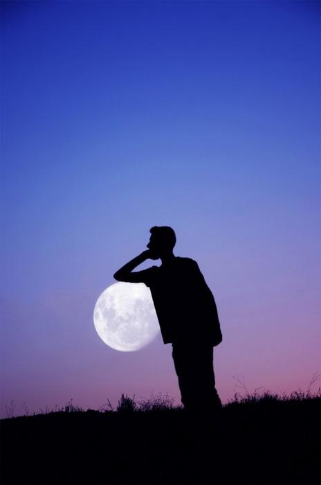 Луна глазами Adrian Limani