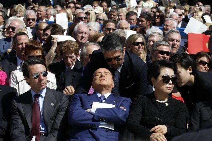 Спящий Сильвио Берлускони