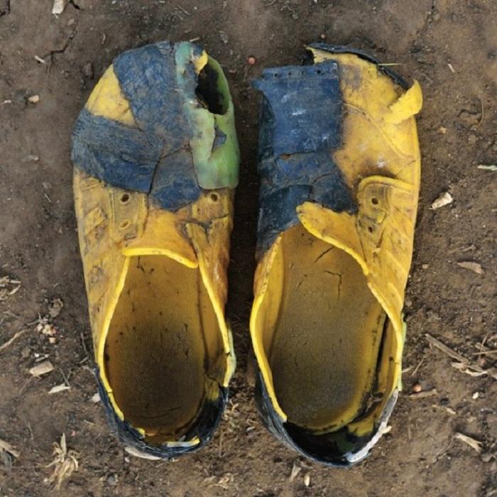 Красноречивая разношенная обувь
