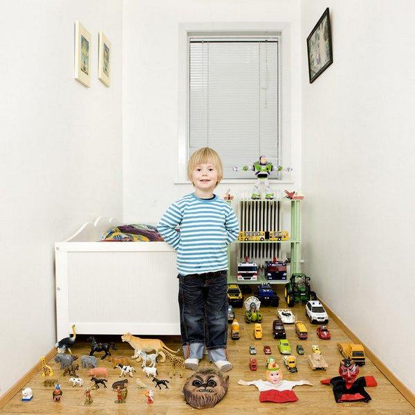 История игрушек от итальянского фотографа Gabriele Galimberti