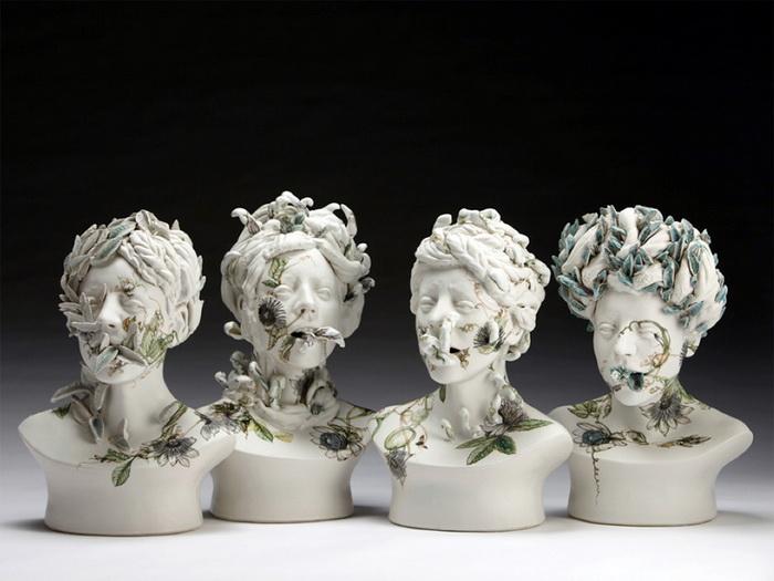 Коллекция керамических бюстов.