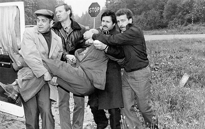 Задержание Толкачёва сотрудниками КГБ.