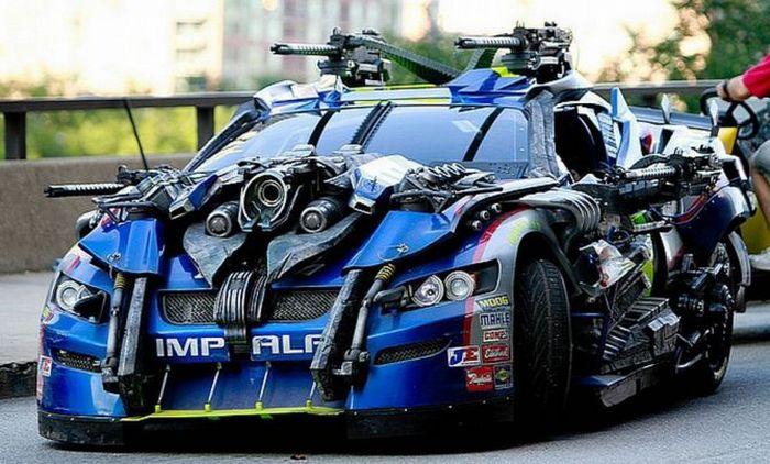 Один из автомобилей, погибших на съёмках фильма Трансформеры 3.