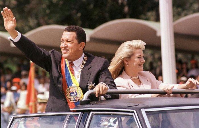 Уго Чавес со своей супругой  Марисабель.