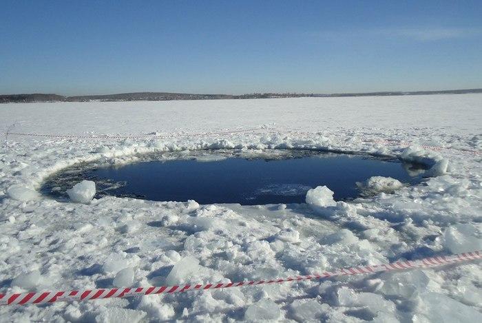 Место падения одного из обломков челябинского метеорита. Озеро Чебаркуль