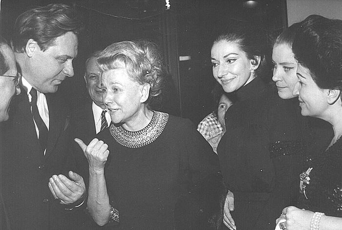 Александр Огнивцев, Екатерина Фурцева, Мария Каллас, Елена Образцова  во время гастролей Большого Театра в Париже.