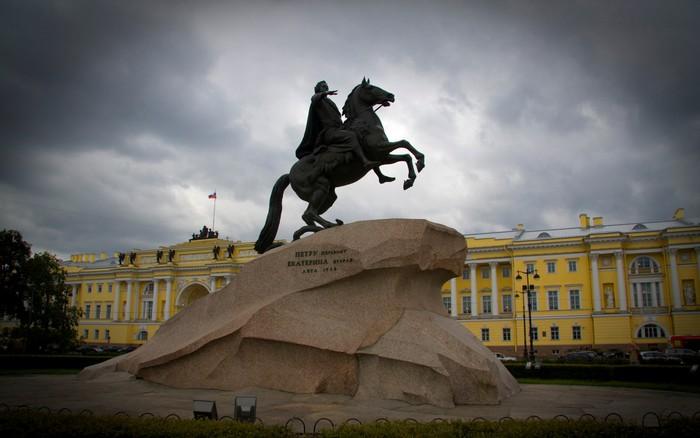 Памятник Петру I, 1768—1770 гг. Скульптор - Этьен Фальконе.