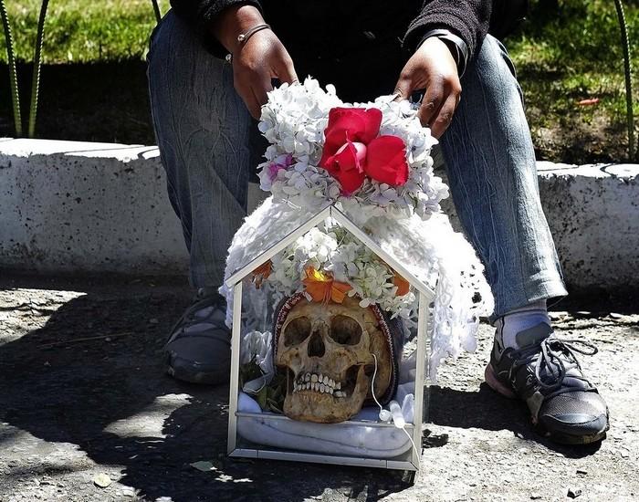 Гаити. Традиционный сувенир ко Дню Всех Святых.