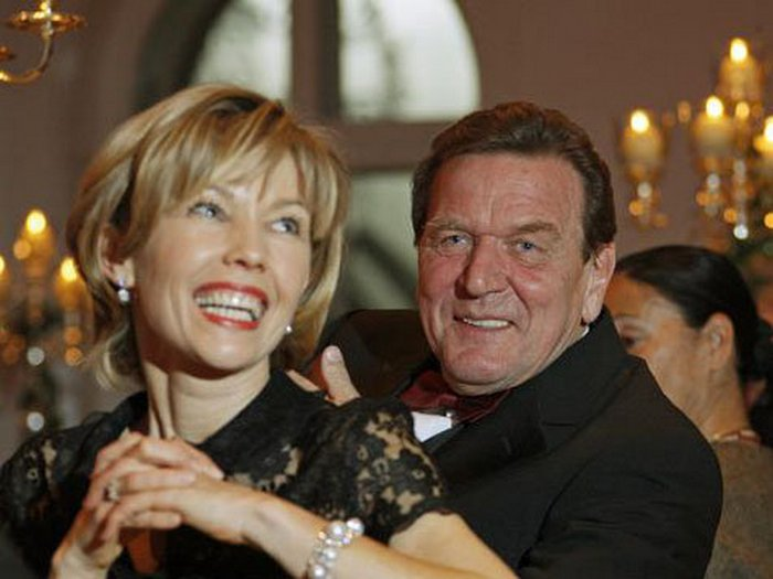 Герхард Шредер со своей четвёртой женой.