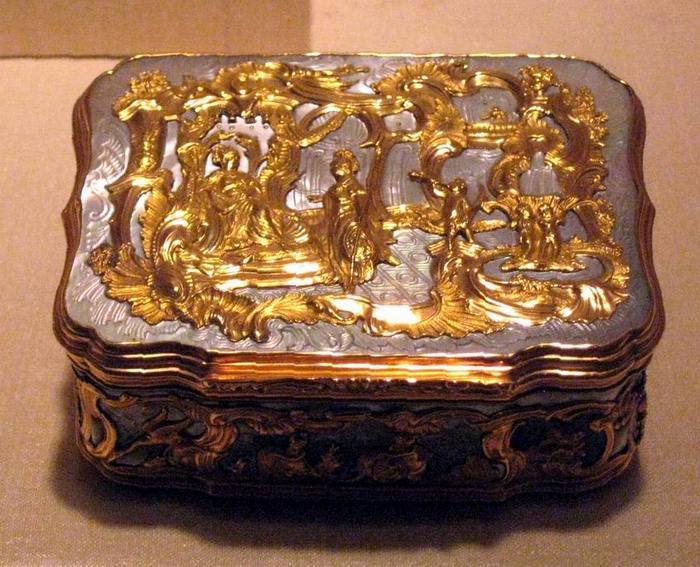 Табакерка, которой был убит Павел I.