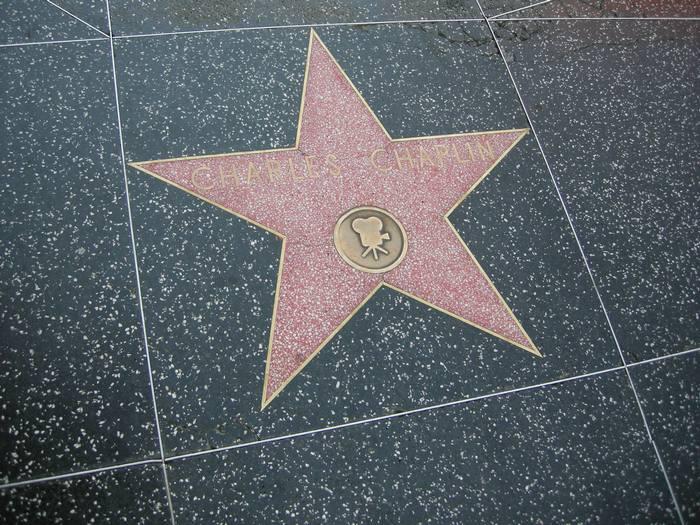 Charlie Chaplin estrela na Calçada da Fama em Hollywood.