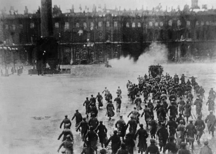 Штурм зимнего дворца (октябрь, 1917)