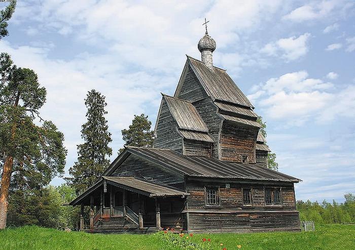Церковь Георгия Победоносца, расположенная в деревне Родионово Подпорожского района Ленинградской области