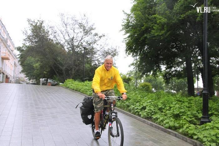 Путешественник Януш Ривер во Владивостоке.