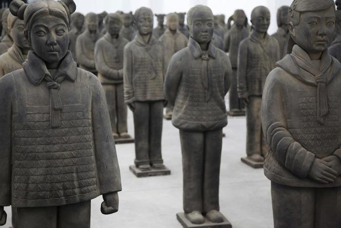 Армия глиняных школьниц Прюн Нурри