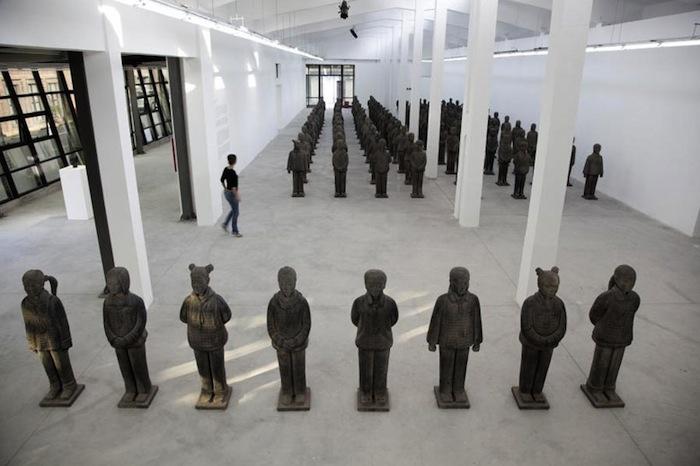 Выставка «Терракотовые дочери» («Terracotta Daughters») в Шанхае