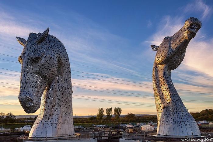 Скульптуры получили название «Келпи» в честь мифических водяных духов, живущих в шотландских реках и горных озерах