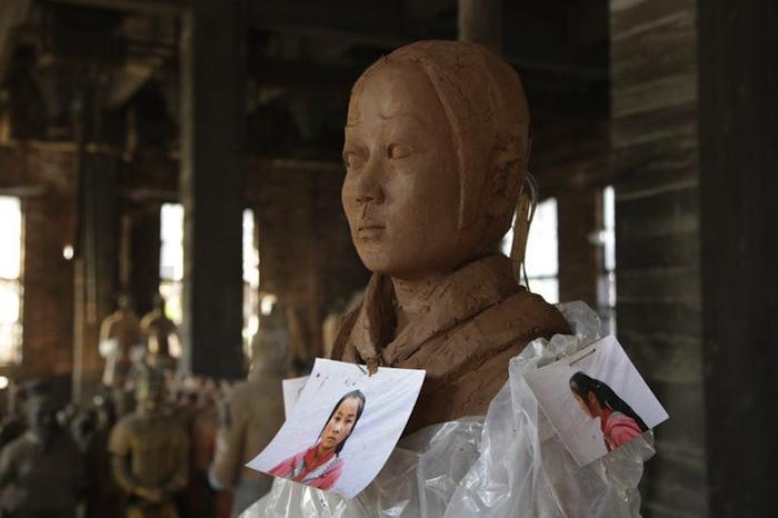 «Терракотовые дочери» вылеплены с настоящих девочек-сирот