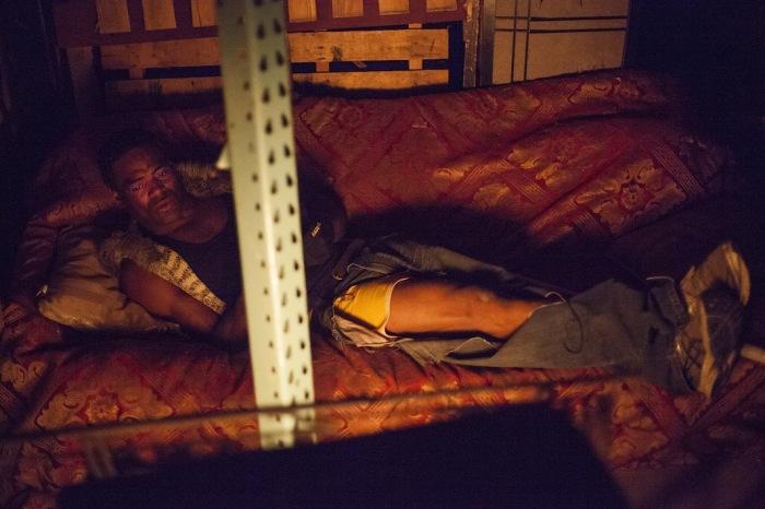 Удивительные фотографии самодельного жилища бездомного экс-боксёра в репортаже Марка Эндрю Бойера (Mark Andrew Boyer)