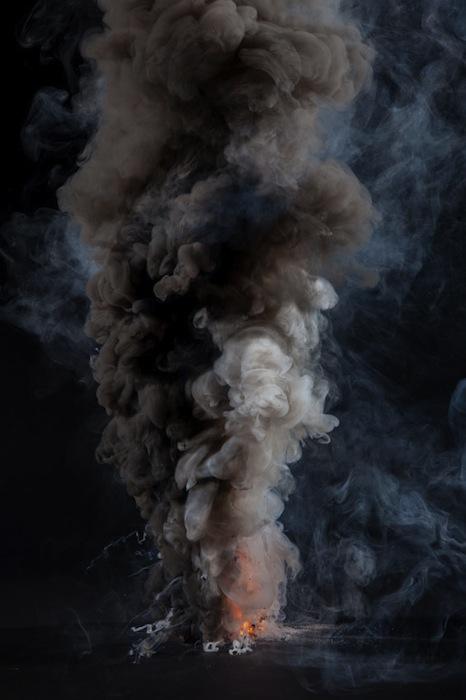 Огонь —  это единственная из четырех классических первооснов мира, которую мы можем вызывать по мере надобности.