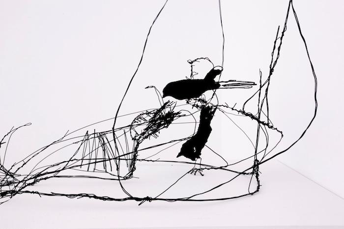 Фрагмент проволочной скульптуры Давида Оливейры.