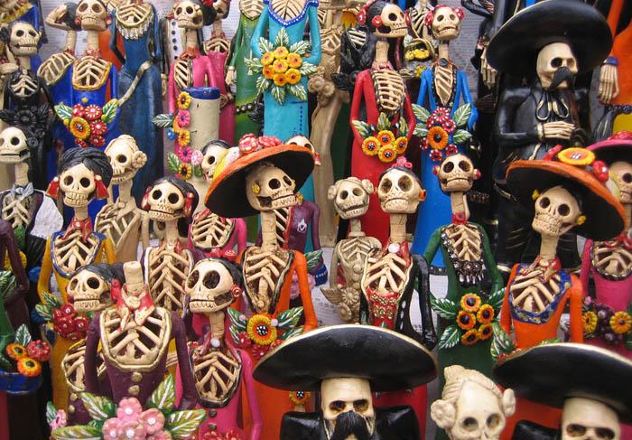 Фрагмент праздничного алтаря ко Дню Мертвых