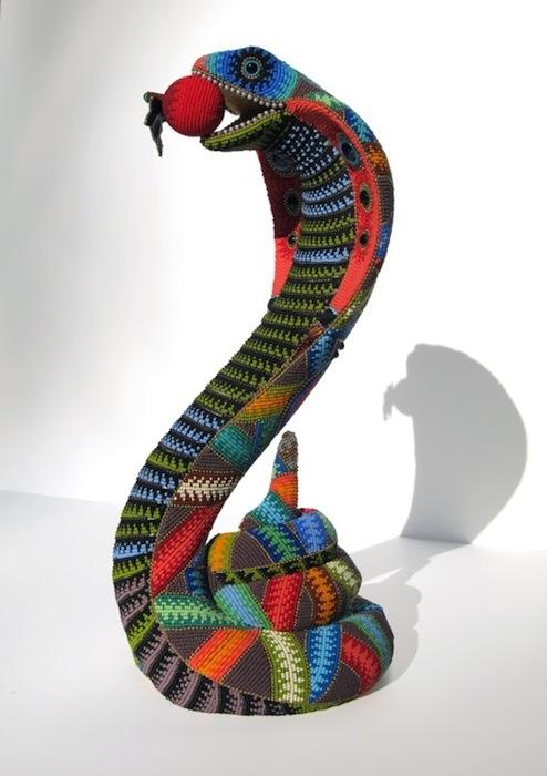 Змей и яблоко