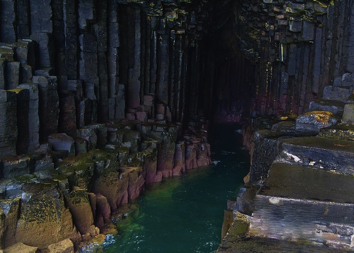 Фингалова пещера (Fingal's Cave). Photo: dun_deagh/Creative Commons