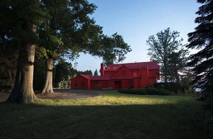 Иэн Стрендж, проект «Загородный» («Suburban»). Розовый — цвет сезона