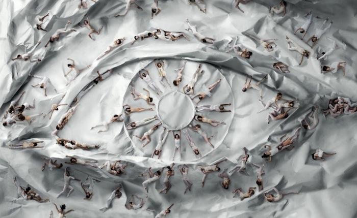 Гвоздь мероприятия - гигантская напольная фотоинсталляция