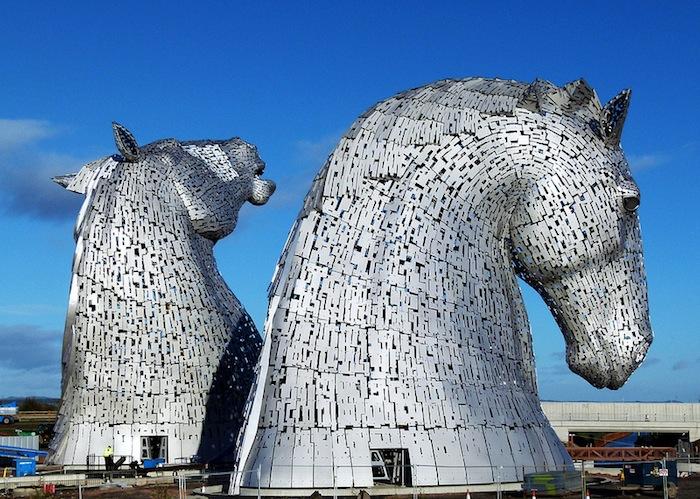 Две скульптуры высотой более 30-ти метров станут визуальной доминантой для эко-парка Хеликс (The Helix project)
