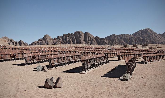 Несостоявшийся кинотеатр посреди Синайской пустыни