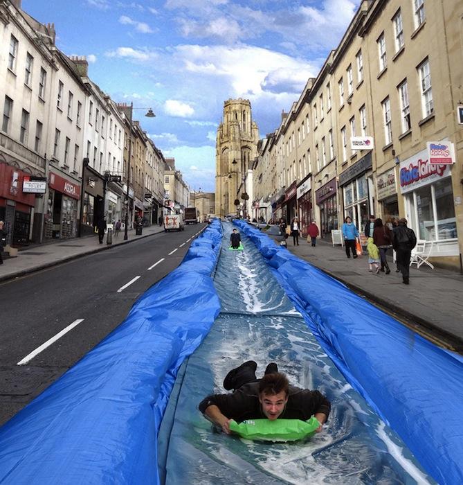 Инсталляцию установят на Парк-Стрит, одной из самых оживлённых улиц Бристоля