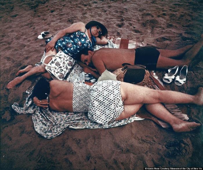 Аарон Роуз, «В их собственном мире: Кони-Айленд на фотографиях»