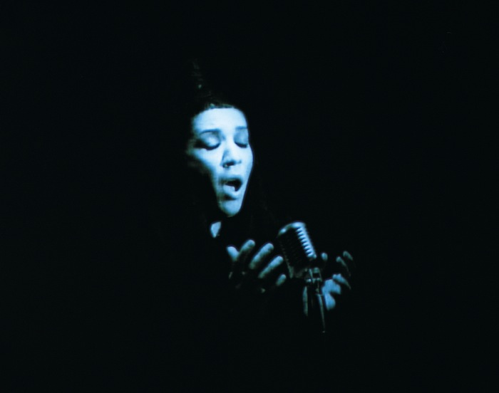 Shirin Neshat, Turbulent, 1998