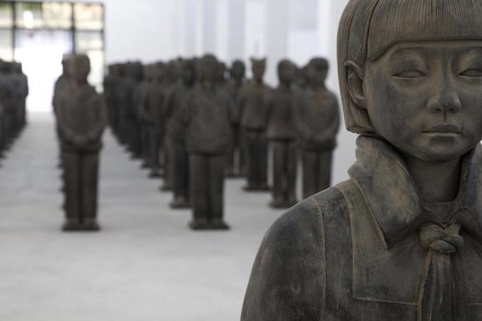 Серия скульптур «Терракотовые дочери» («Terracotta Daughters») Прюн Нурри