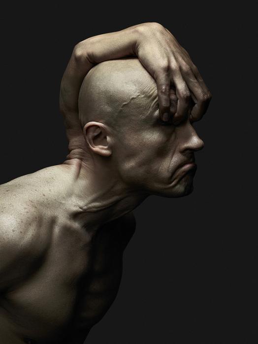 Руки-демоны - отражение человеческих фобий.