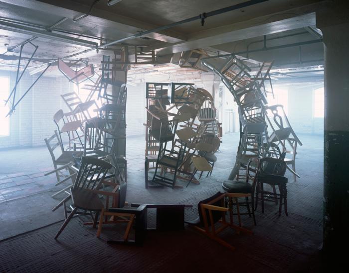 Завораживающие инсталляции от британской художницы Никола Йеомен (Nicola Yeoman).