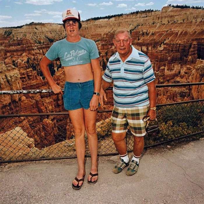 Дядя с племянником в Сансет Пойнт, Национальный парк Брайс-Каньон, Юта, 1981 год.